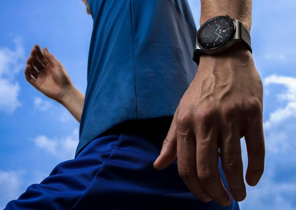 Умные часы с NFC для занятий спортом