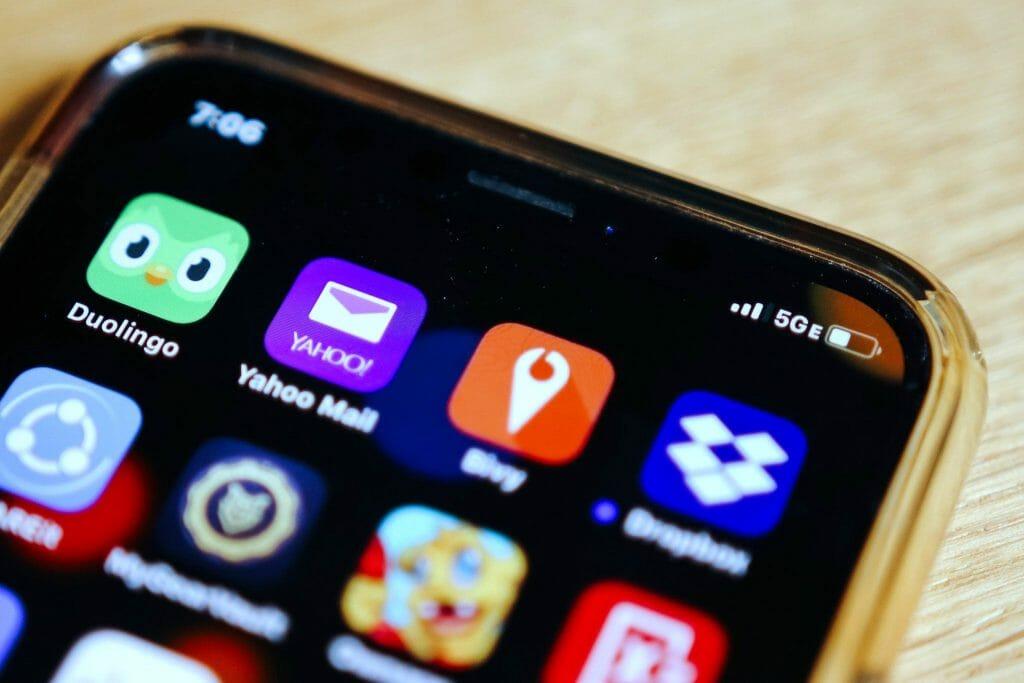 Иконка 5G на экране смартфона