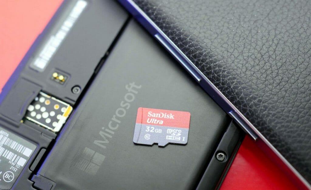 MicroSD карта для телефона на Windows 10