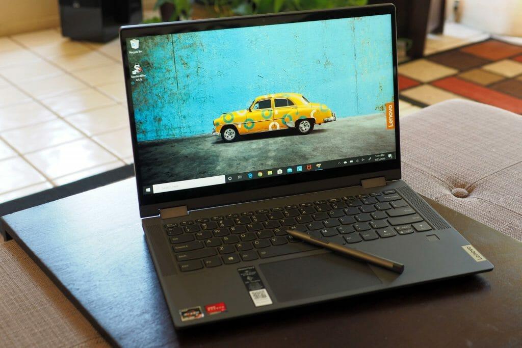 Небольшой ноутбук Lenovo