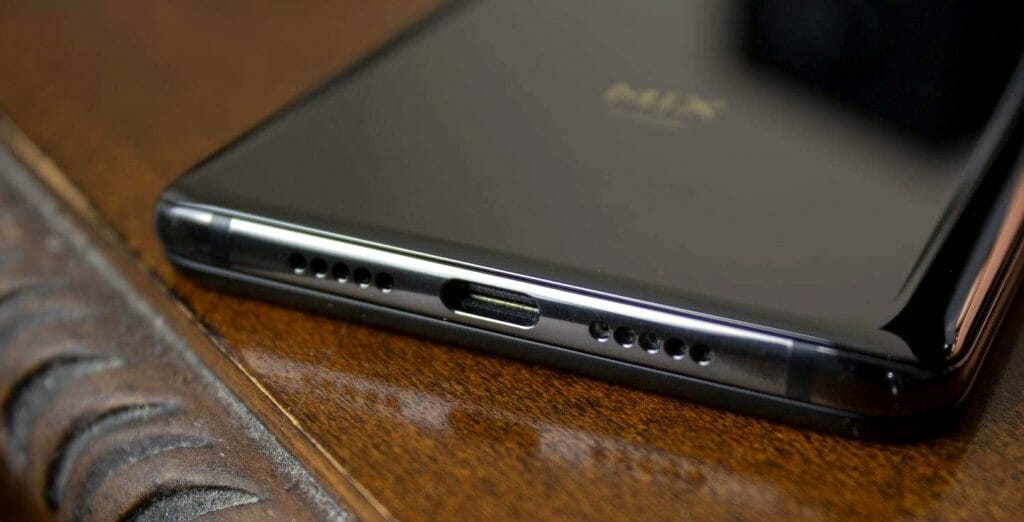 Разъем USB Type C для быстрой зарядки смартфона