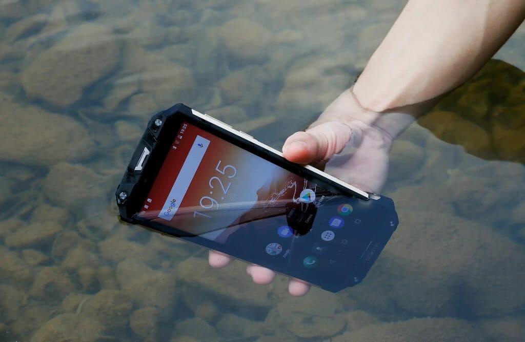 Телефон с защитой от воды