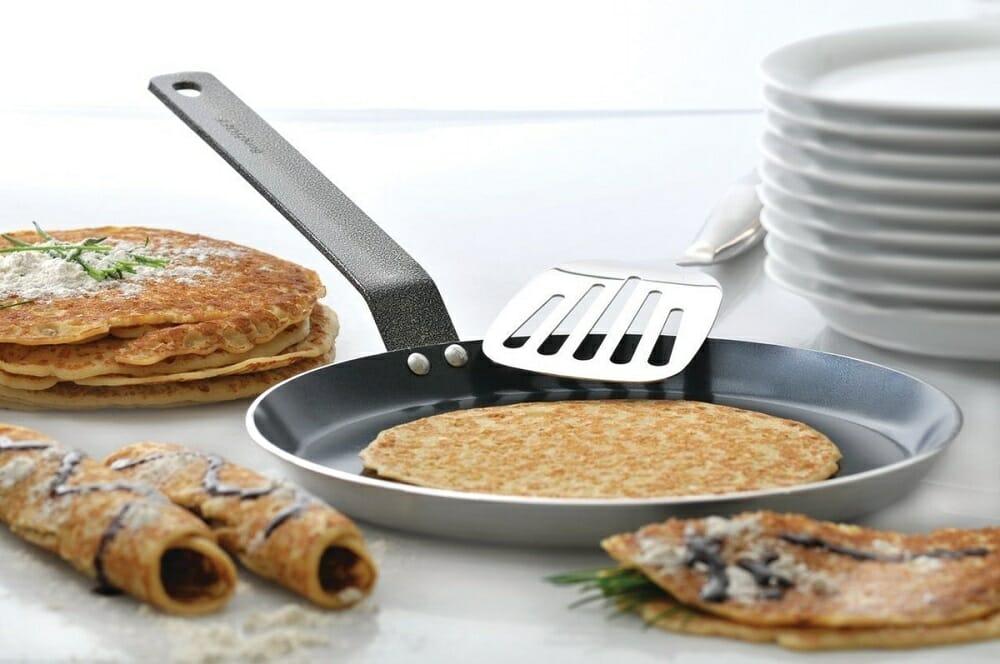 Стальная сковорода для блинов