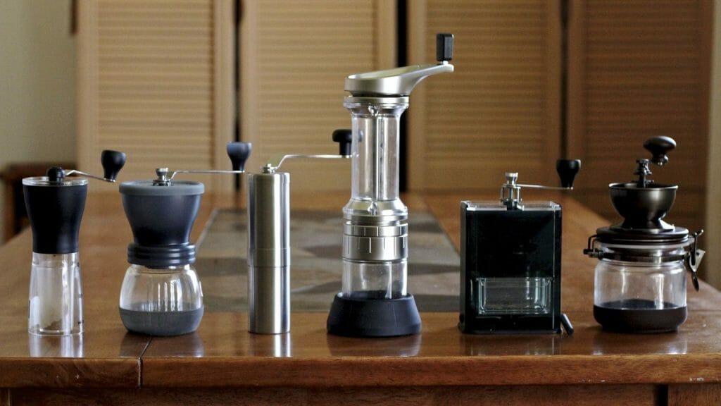 Ручные кофемолки в ряд