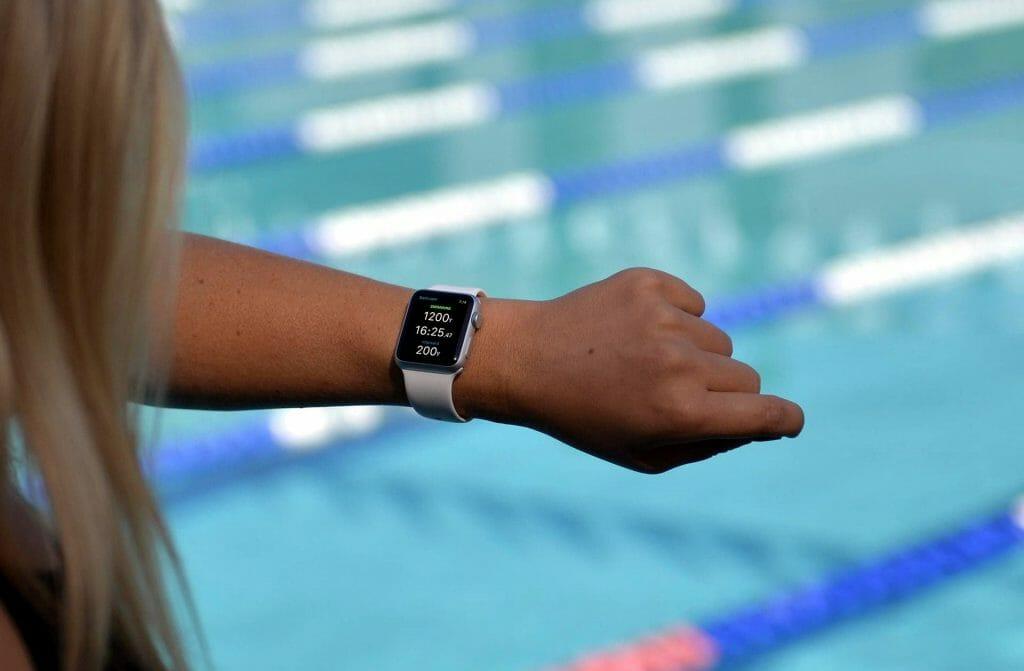 Смарт-часы для бассейна
