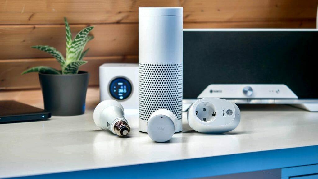 Умная колонка с устройствами smart дома