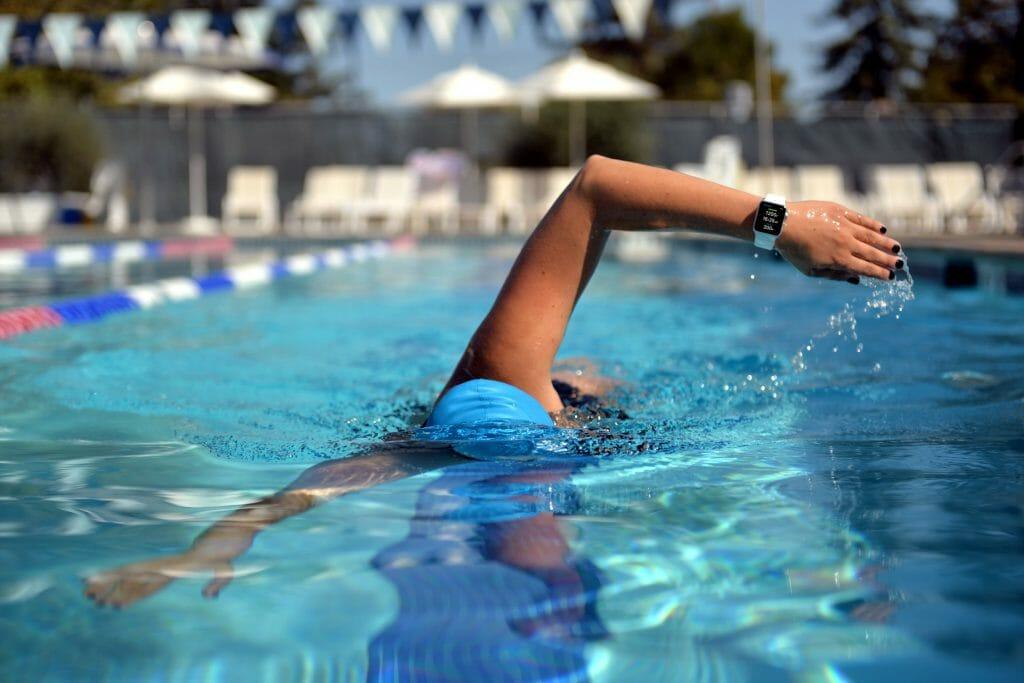 Умные часы для занятий плаванием