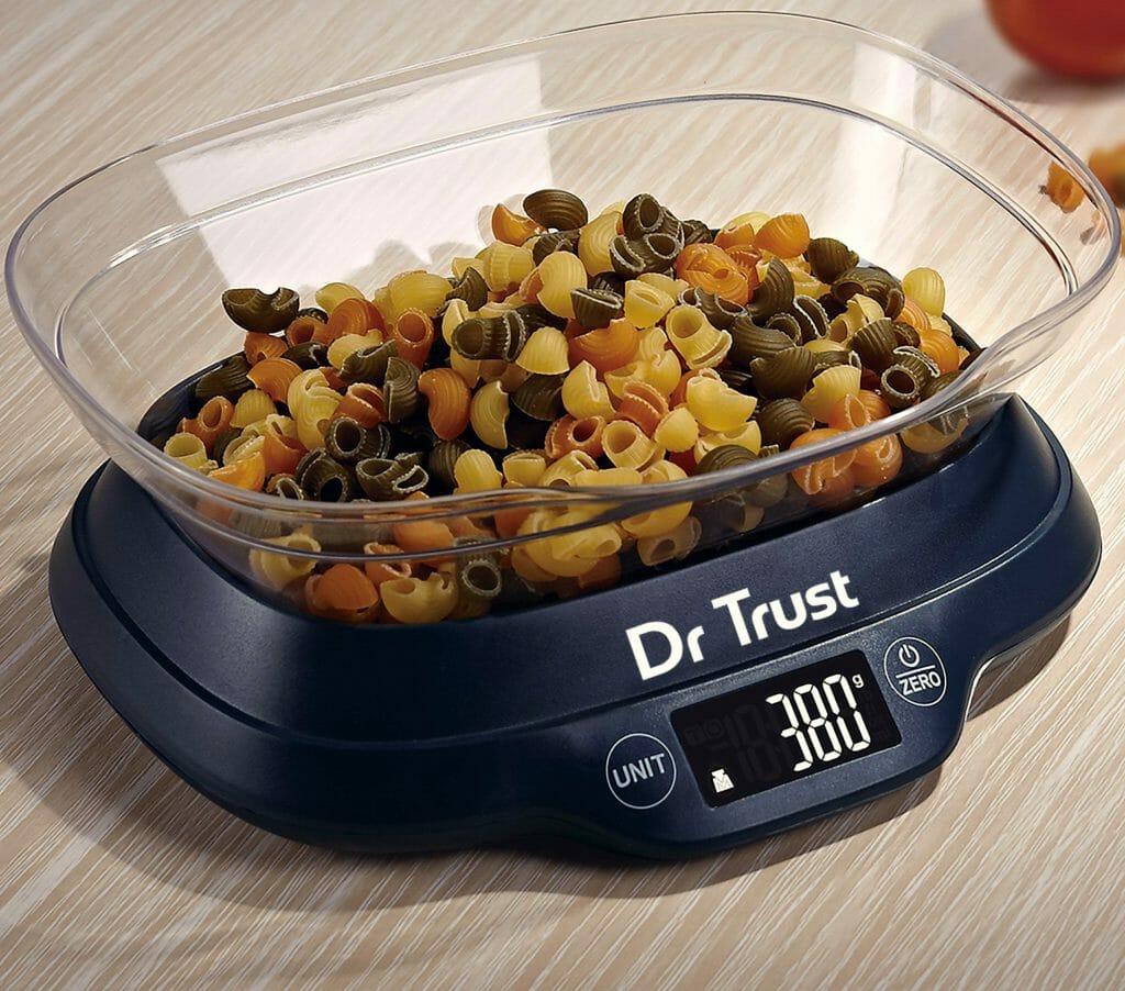 Электронные кухонные веса у форме чаши