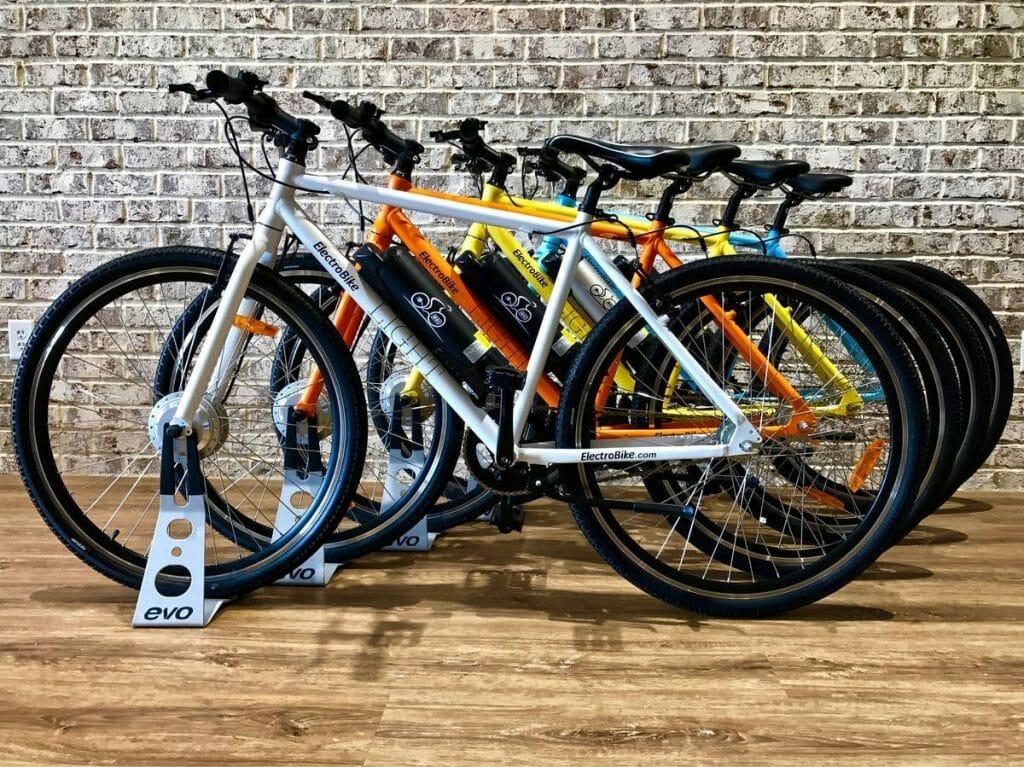 Электровелосипеды в магазине