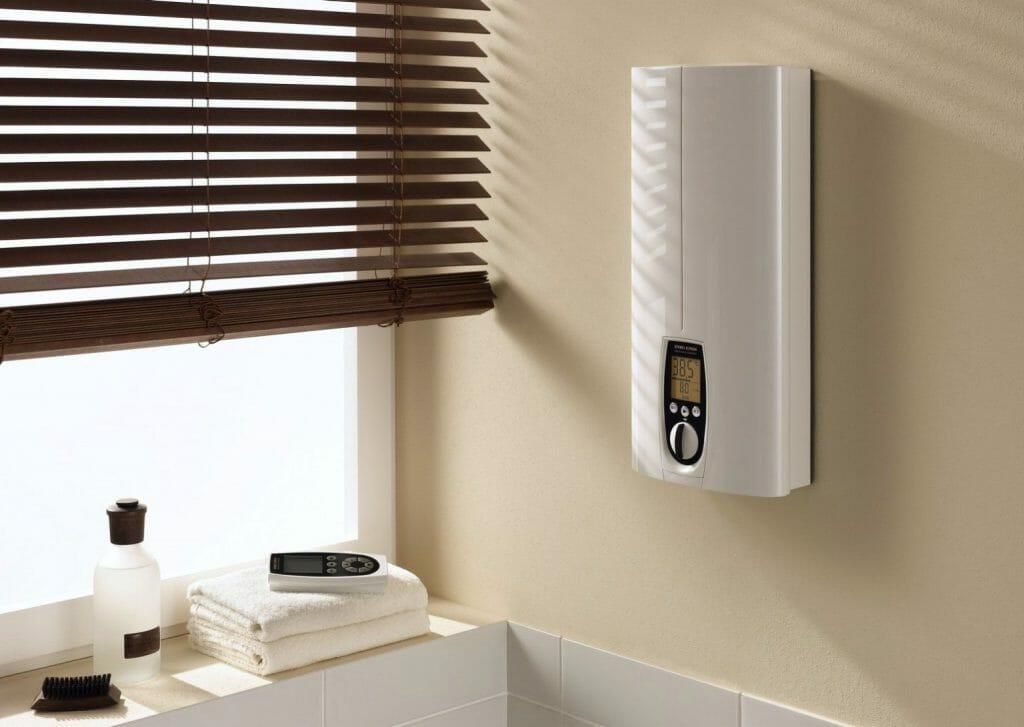 Проточный водонагреватель с пультом управления и дисплеем