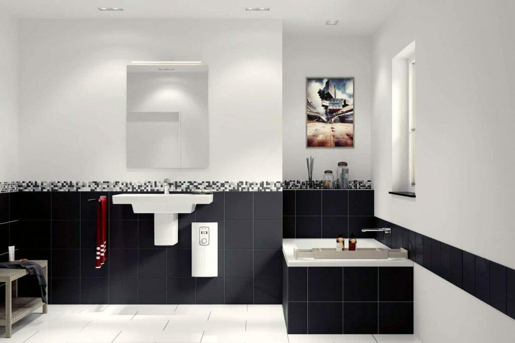Проточный водонагреватель под раковиной в ванной