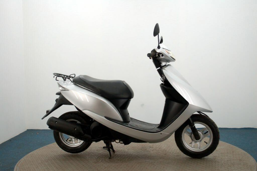 Классический японский скутер