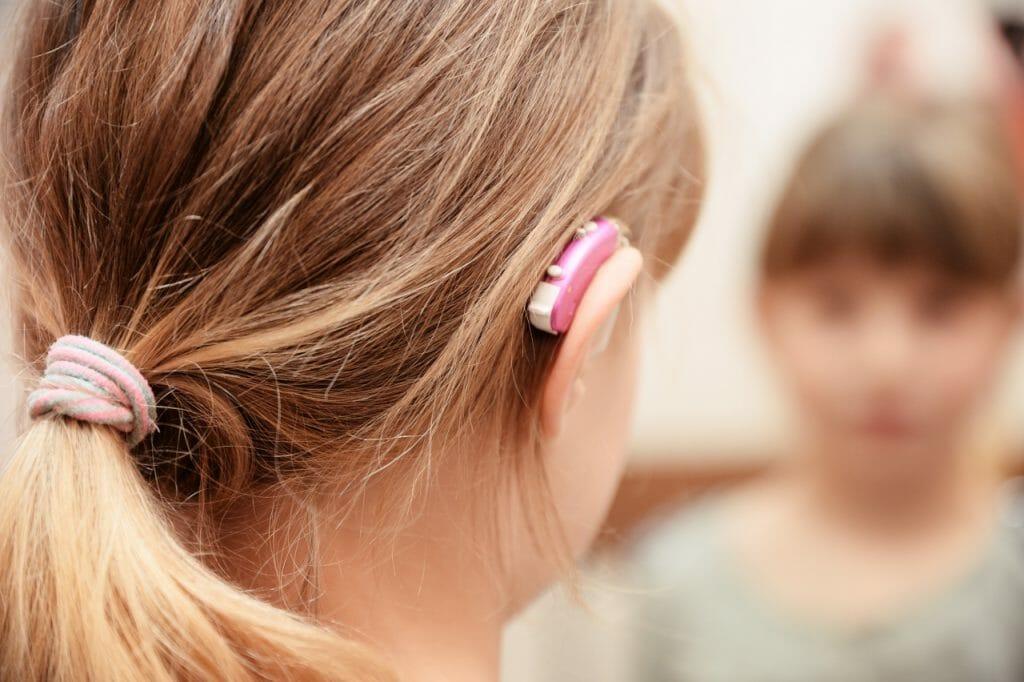Заушный слуховой аппарат