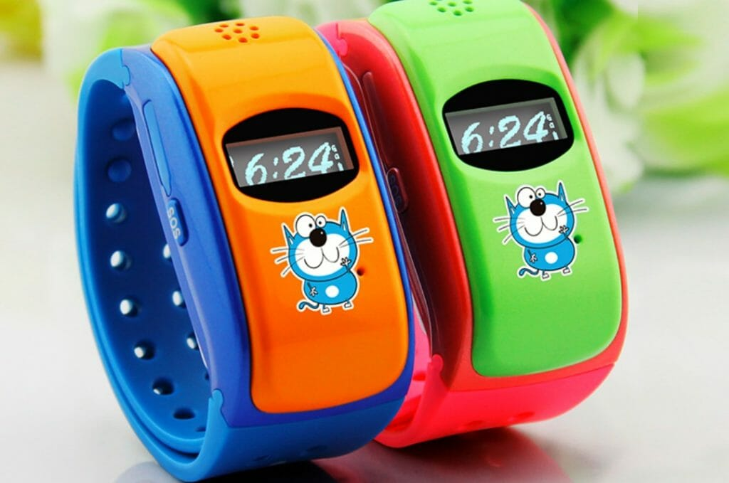 Детские часы с кнопкой SOS