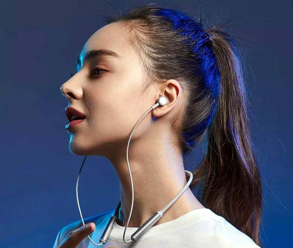 Беспроводные наушники Xiaomi для занятий спортом