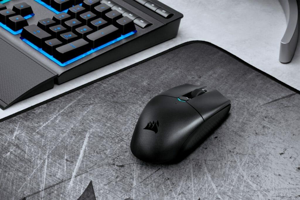 Черная мышь с разрешением сенсора 12400 DPI