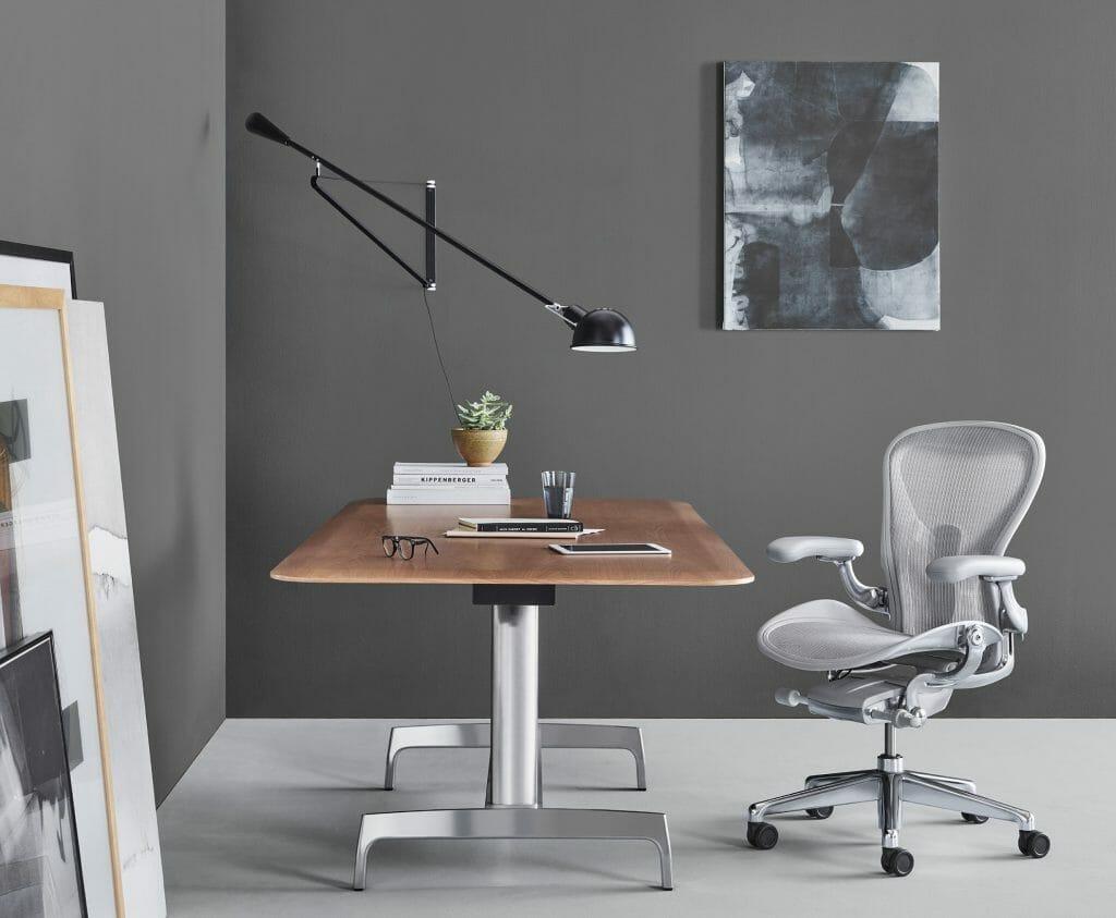 Функциональное кресло для компьютера