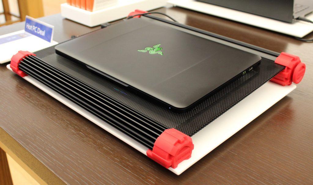 Охлаждающая подставка для игрового ноутбука