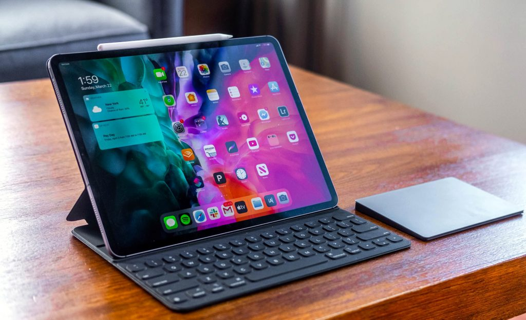 Планшет Apple с клавиатурой