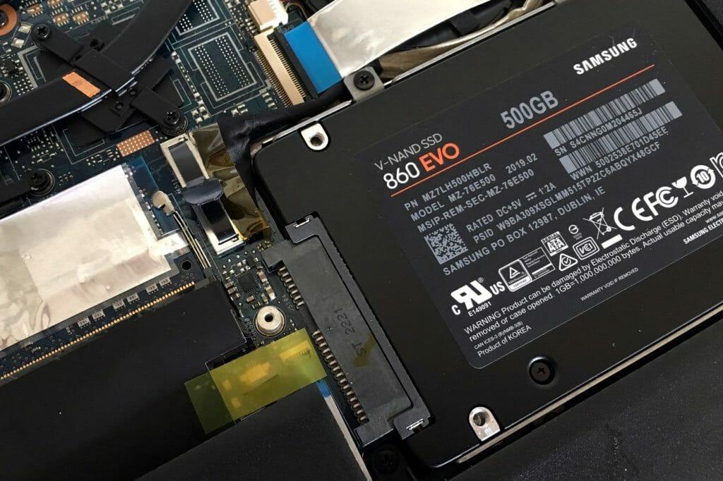 Подключенный SSD диск ноутбука