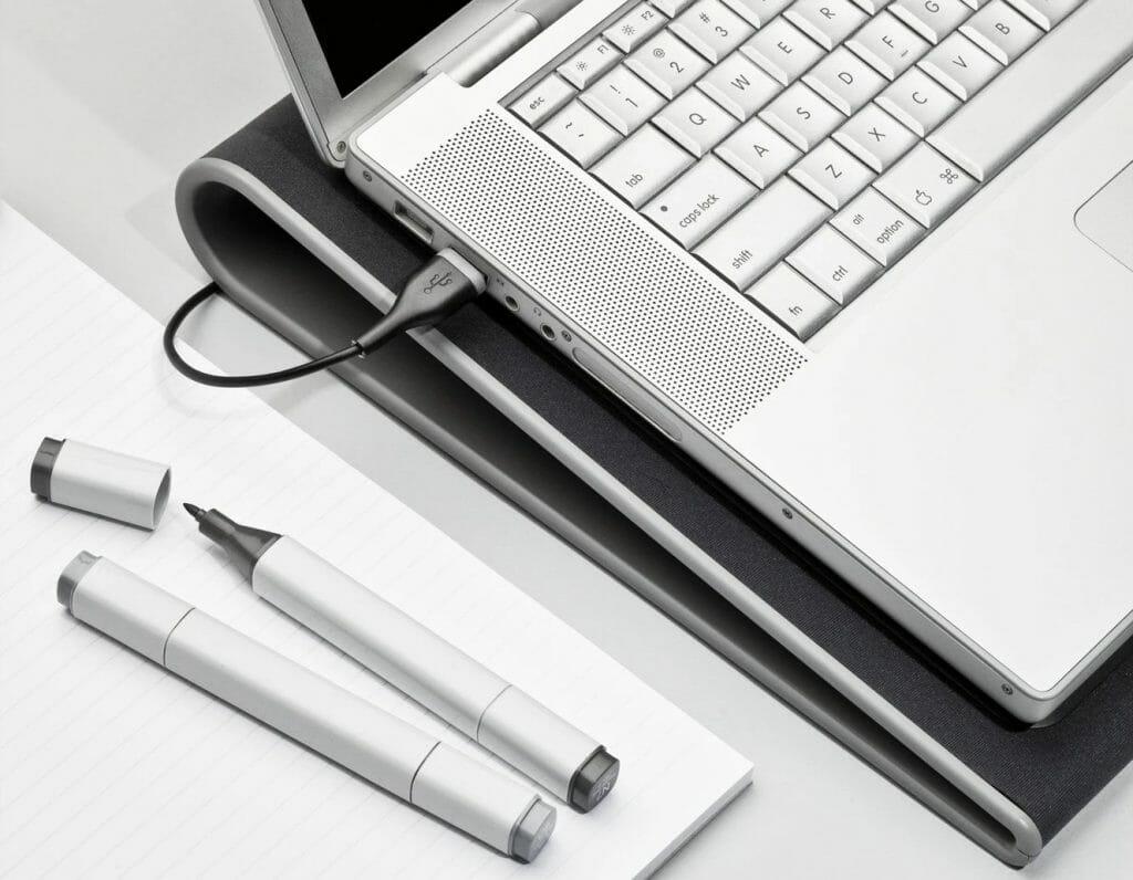 Простая охлаждающая подставка для ноутбука