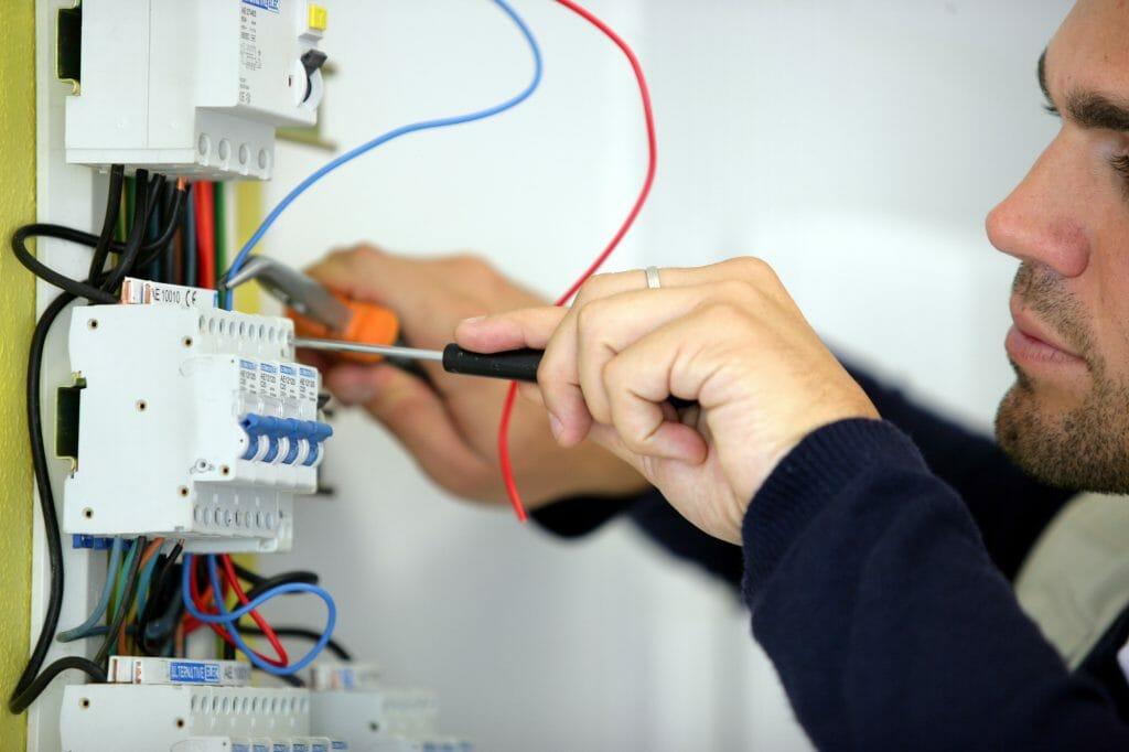 Разводка электрики дома
