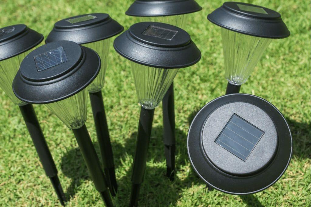 Садовые светильники на солнечной панели