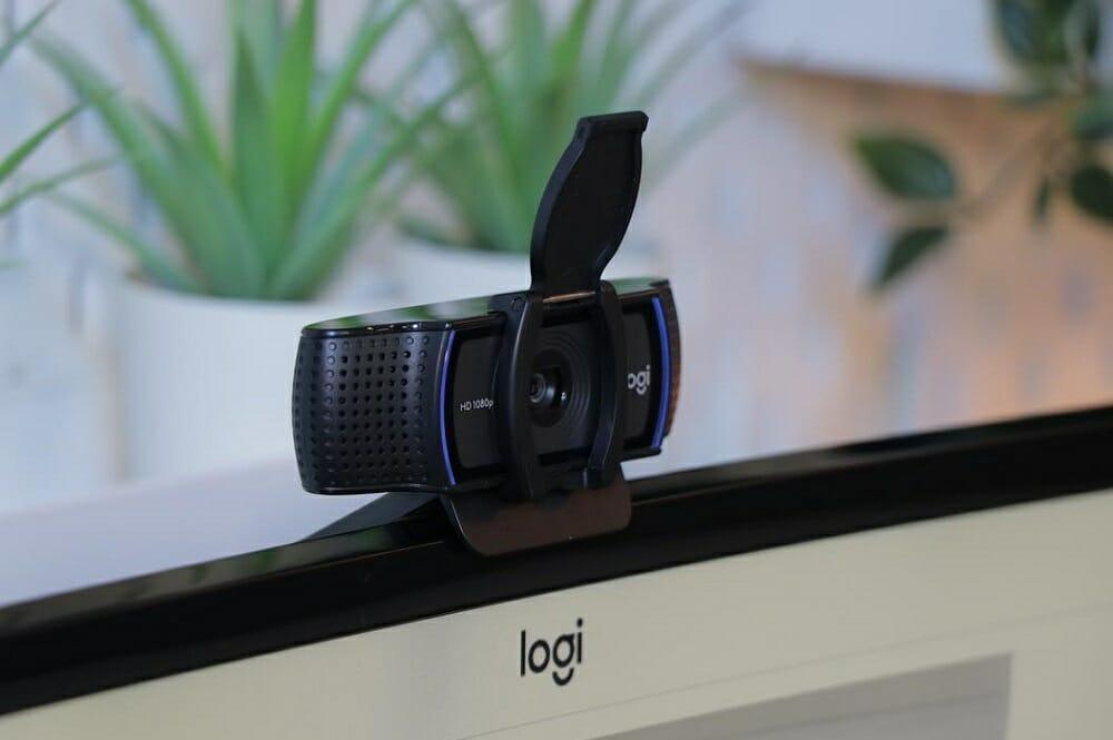 Шторка на веб-камере