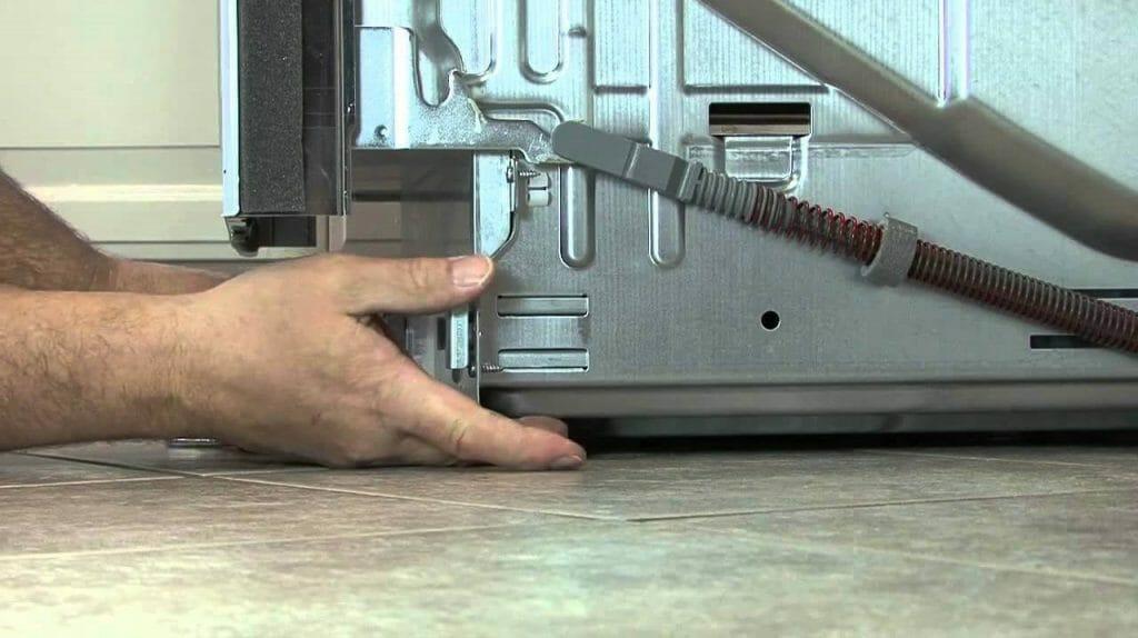 Нивелировка посудомоечной машины